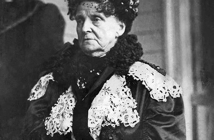 Hetty Green nổi danh như một trong những người phụ nữ giàu có nhất lịch sử với khối tài sản được ước tính vào khoảng 200 triệu USD khi bà qua đời (năm 1916). Tuy nhiên, cuộc sống của Hetty Green không phải là giấc mơ với hầu hết mọi người, bởi bà rất keo kiệt, đến nỗi hình thành những thói quen độc nhất vô nhị. Green không bao giờ mua quần áo mới (cả đời bà chỉ có 2 bộ đồ), không bật nước nóng, dùng lò sưởi, hay thậm chí là rửa tay, chỉ để tiết kiệm tiền.