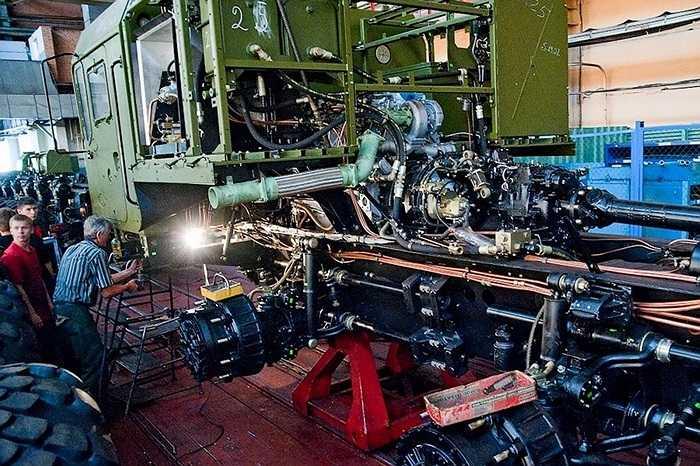 Công ty MAZ vẫn tự hào vì đã từng sản xuất ra  chiếc xe siêu trường lớn nhất thế giới hồi những năm 1980. (Quốc Khánh)
