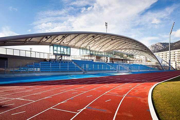 Có diện tích 8 hecta và nằm ngay tại Toulon, Pháp, khu liên hợp thể thao gồm 3 sân bóng đá tiêu chuẩn và 6 nhà thi đấu đủ sức để tổ chức những sự kiện lớn tầm cỡ Olympic