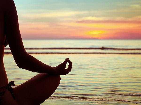 Tâm trạng thoải mái: Việc thanh lọc và giải độc cơ thể không chỉ dừng lại ở chế độ ăn uống hàng ngày mà còn cả trong tâm trí. Bạn nên duy trì tâm trạng tích cực, bình tĩnh, tránh những suy nghĩ tiêu cực, tức giận, buồn bực.
