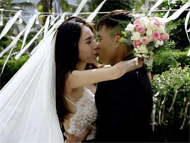 Sau 3 năm chung sống cùng bạn gái Thủy Tiên, Công Vinh đã quyết định tổ chức đám cưới vào ngày 28/12 tới