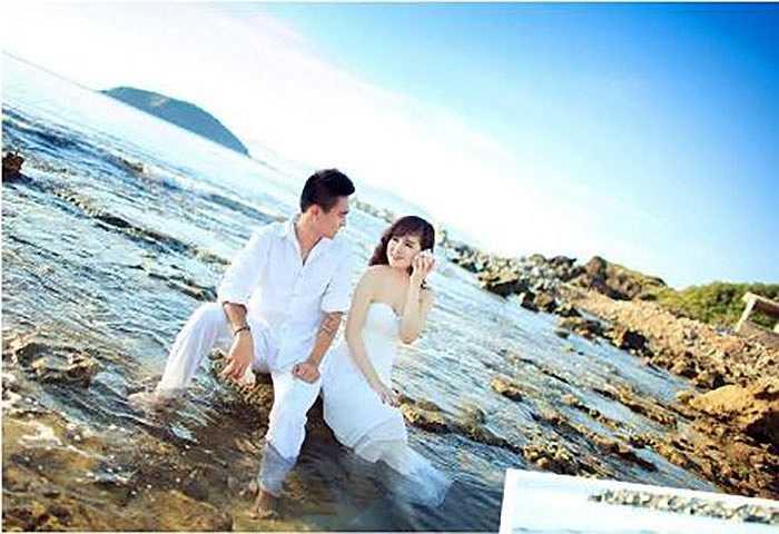 Tiền vệ U23 Lê Hoàng Thiên có đám cưới ấm cúng với cô bạn gái lâu năm Ngọc Nguyệt vào cuối tháng 5/2014