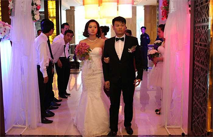 Sau khi quyết định giải nghệ, cựu cầu thủ V.Ninh Bình lập tức lên xe hoa