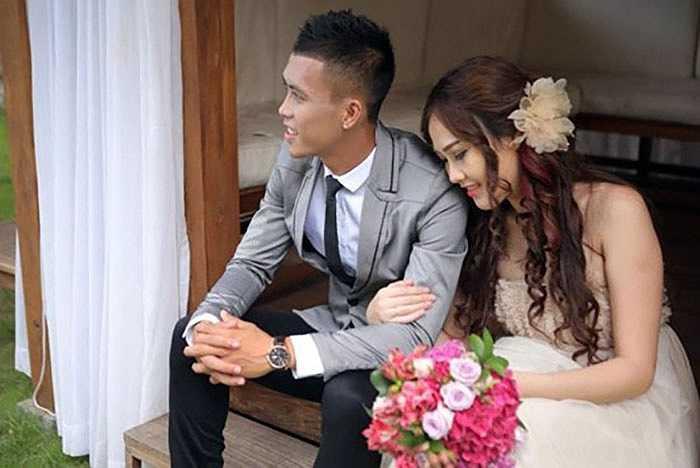 Tân binh của CLB Thanh Hóa Nguyễn Công Thành cũng có một đám cưới rỉnh rang hồi tháng 10