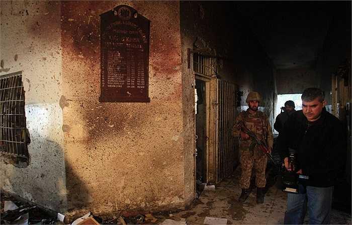 Taliban tấn công vào trường quân sự ở thành phố Peshawar, Pakistan lúc 10h30 phút sáng 16/12, giờ địa phương.