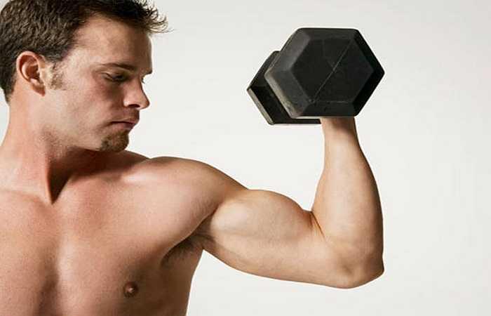 Tăng cường cơ bắp: Thịt gà cung cấp protein để xây dựng cơ bắp, đốt cháy chất béo và bồi đắp múi cơ. Protein chứa nhiều nhất ở phần ức gà sau đó mới đến những bộ phận khác.