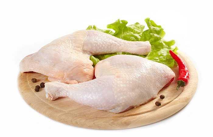 Thịt gà mang lại nhiều lợi ích sức khỏe, tuy nhiên, bạn cũng cần phải biết đến các tác động có hại của thịt gà có thể được gây ra do điều kiện kém vệ sinh hoặc tiêu thụ quá mức.