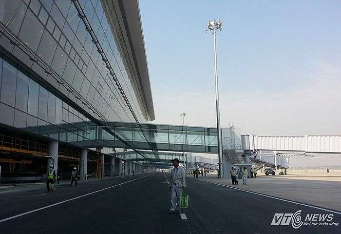 Nhà ga T2 được là nhà ga lớn nhất Việt Nam đến thời điểm hiện tại