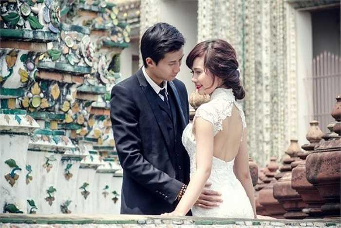 Trước đám cưới 2 tháng, hot girl Huyền Lizzie đã chia sẻ bộ ảnh cưới hoành tráng bên bạn trai 7 năm, được thực hiện tại 3 địa điểm Thái Lan, Đà Nẵng và Hội An, khiến giới truyền thông và người hâm mộ xôn xao.