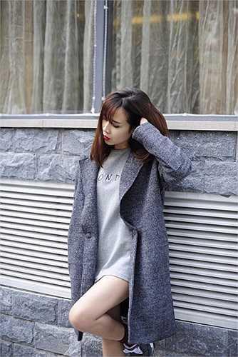 Phong cách thời trang ngày càng trẻ hóa của Lưu Hương Giang.
