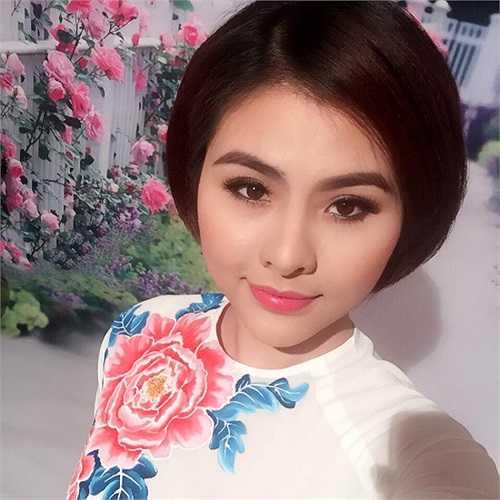 Vân Trang xinh đẹp và gợi cảm.