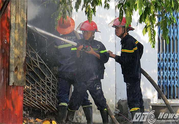 Ngay khi nhận được thông tin vụ hỏa hoạn, ông Huy đã gọi điện cho lực lượng Cảnh sát PCCC Hải Phòng để đến chữa cháy.