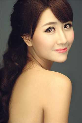 Ngoài ra, Quỳnh Anh Shyn còn có bảng thành tích ấn tượng, từng đoạt nhiều giải thưởng Tin học.