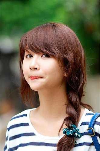 Quỳnh Anh Shyn cũng được rất nhiều bạn gái học tập cách trang điểm, ăn mặc.