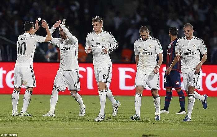 Đó là cách mà Barca đã thống trị bóng đá thế giới từ 2008 đến 2011. Với tiqui-taca, họ chạm một tay vào chiến thắng ngay từ khi còn chưa ra sân