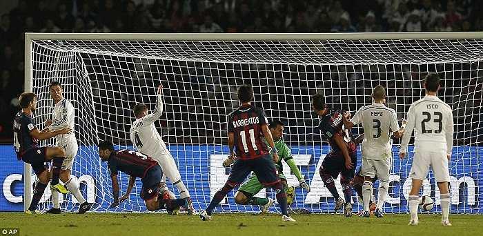 Sergio Ramos là người mở tỉ số cho nhà ĐKVĐ châu Âu ngay từ phút 37, trước khi Gareth Bale nhân đôi cách biệt ở phút thứ 51.