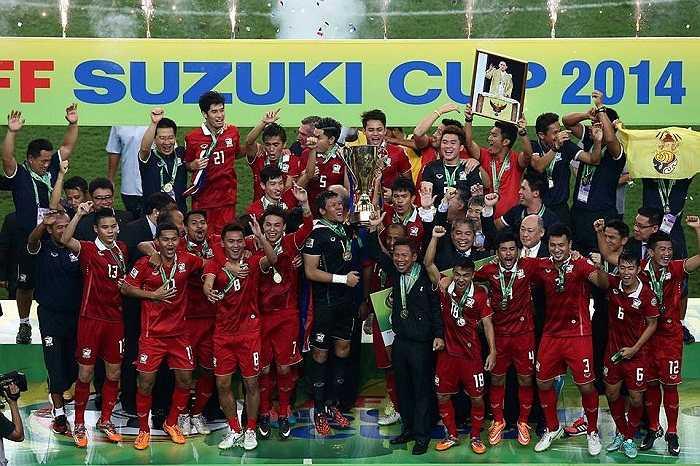 Thái Lan vô địch AFF Cup 2014 sau khi thắng chung cuộc Malaysia 4-3