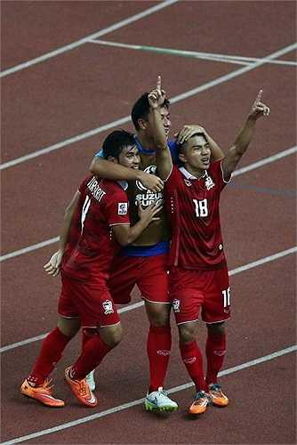 Anh là người ghi bàn gỡ thứ 2 cho Thái Lan