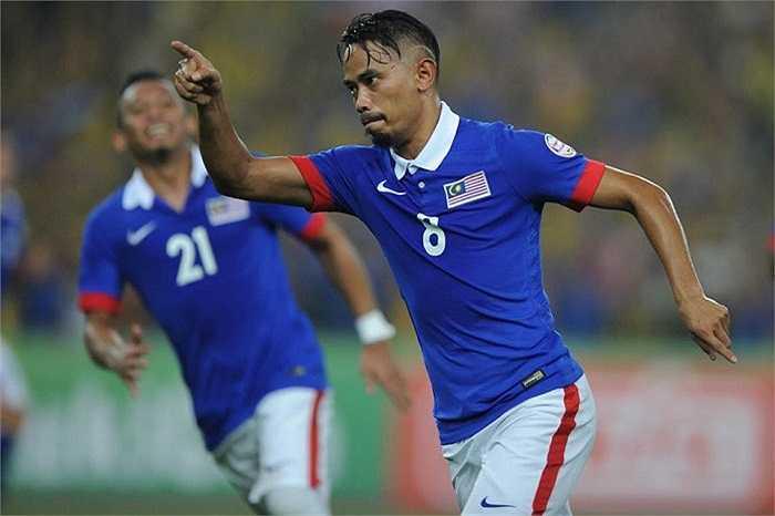 Bằng liên tiếp những bàn thắng. Họ dẫn ngược Thái Lan tới 3-0