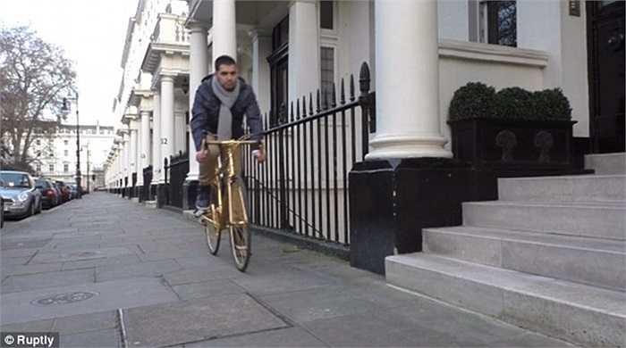 Công ty Goldgenie có trụ sở ở London, Anh đang rao bán một chiếc xe đạp đua dành cho nam giới với giá 250.000 bảng Anh