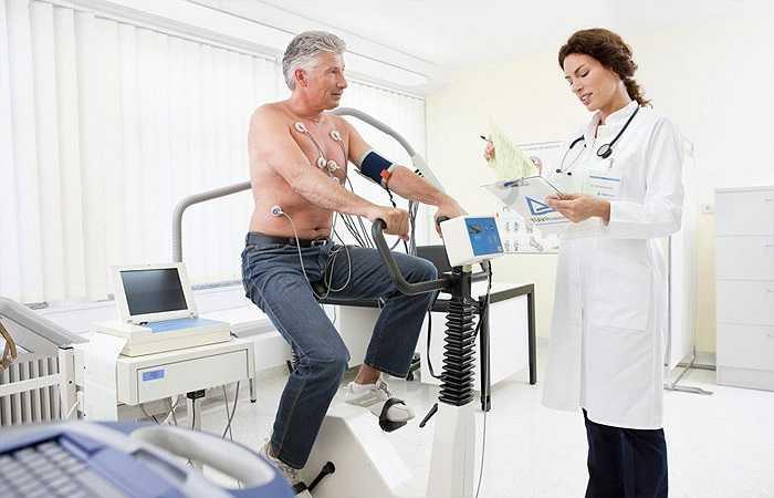 Kiểm tra sức khoẻ định kỳ: Kiểm tra sức khoẻ định kỳ sẽ giúp phát hiện sớm bệnh để có hướng điều trị kịp thời nên rất tốt với sức khoẻ.
