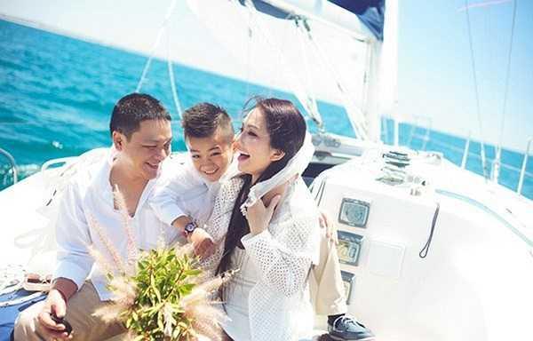 Gia đình hạnh phúc hiện tại của Kim Hiền.