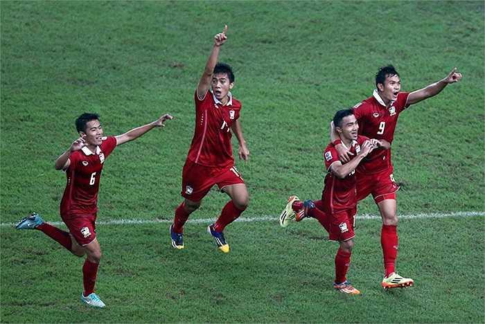 Dù còn rất trẻ song đội bóng xứ Chùa Vàng thi đấu đầy bản lĩnh và giành chiến thắng chung cuộc 4-3 để lên ngôi vô địch AFF Cup lần thứ 4.