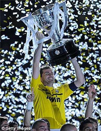 Trước đó anh từng giành chức vô địch La Liga năm 2012 cùng Real Madrid