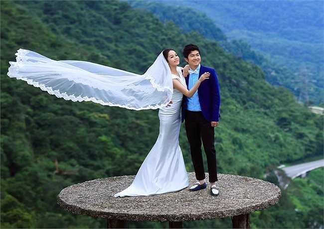 Tuy đã âm thầm chuẩn bị hôn lễ từ lâu, nhưng Nhật Kim Anh không muốn công khai quá sớm vì cô sợ rằng 'Nói trước bước không qua'.