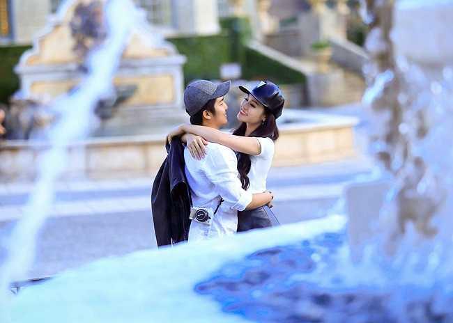 Dần dần cha mẹ chồng Nhật Kim Anh cũng hiểu được công việc của một người nghệ sỹ như cô và thương yêu con dâu như con gái của mình.