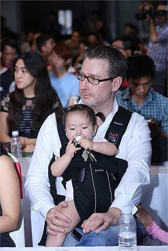 Nói về người bạn này, Đoan Trang cho biết, trong lần đầu tiên hợp tác với Trấn Thành, cô đã gặp rất nhiều khó khăn bởi ban đầu Trấn Thành là một người rất 'cà lưng tưng tưng'