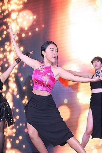 Hy vọng khi xem show, khán giả và mọi người sẽ chú ý nhiều về phần vũ đạo để thấy được sự đầu tư của vũ đoàn Hoàng Thông cho liveshow của Đoan Trang.