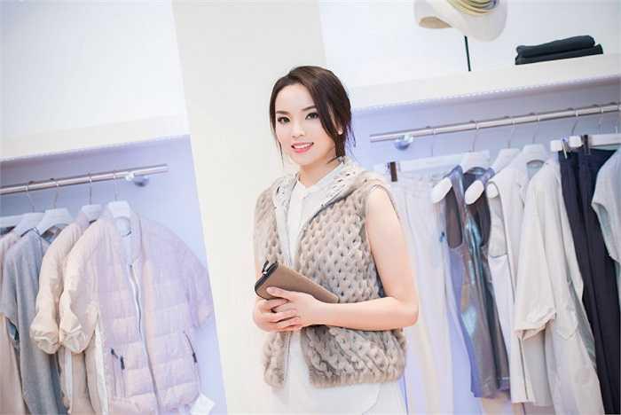 Sau khi đăng quang Hoa hậu Việt Nam 2014, Kỳ Duyên nhận phải không ít lời bình luận về nhan sắc.