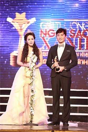 Diễn viên Chí Dũng và Nhật Kim Anh giành giải Nam & Nữ diễn viên truyền hình được yêu thích nhất (do khán giả bình chọn)
