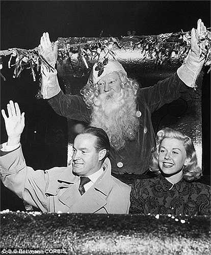 Các diễn viên Mỹ ăn mừng Noel năm 1948