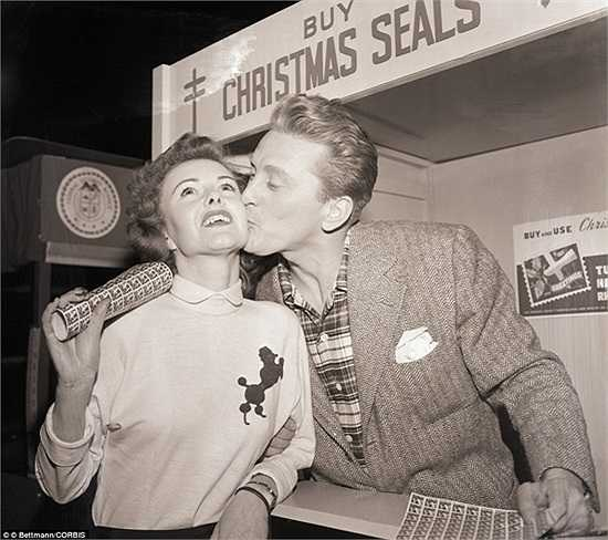 Các diễn viên Hollywood mừng Noel năm 1949