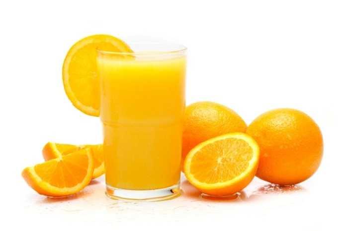 10. Nước ép cam quýt: Rất giàu vitamin C giúp giải rượu nhanh. Nước cam cũng ngăn tình trạng mất nước và tăng cường hệ miễn dịch.