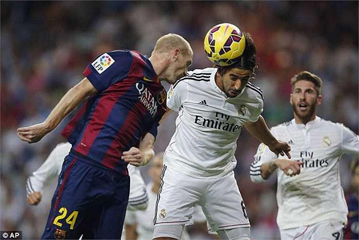 Khedira sang Arsenal: Học tập Ozil, tiền vệ gốc Thổ Nhĩ Kỳ hoàn toàn có thể làm mới bản thân khi ra đi