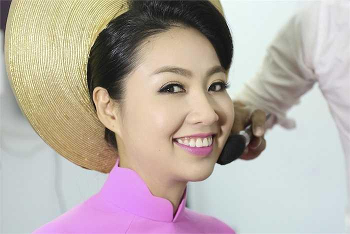 Vẻ hạnh phúc rạng ngời của Lê Khánh.