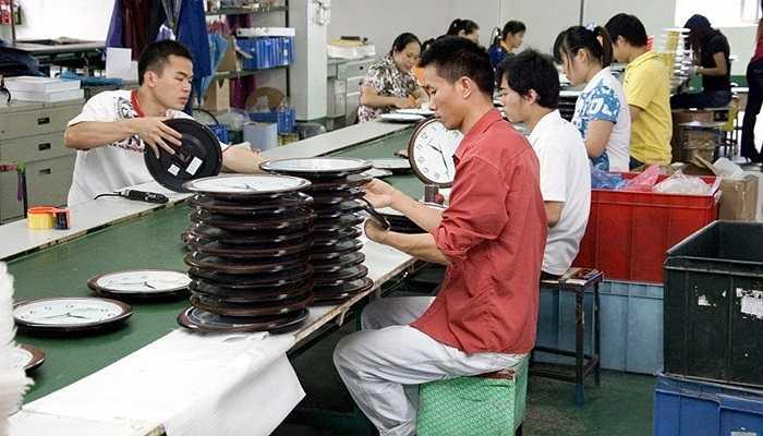 Công nhân sản xuất dây chuyền: 10%. công việc nhàm chán, dây chuyền sản xuất không đổi, cá nhân không đổi, cách làm việc không đổi. Chính vì thế, việc uống rượu sau mỗi ca làm là điều khó tránh.