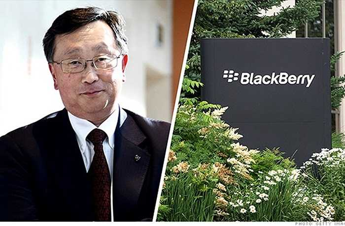 2. John Chen – BlackBerry    CEO John Chen đã chứng minh rằng, BlackBerry không chết và chặn đứng cơn suy thoái của hãng công nghệ Canada khổng lồ. Thay vì cố gắng giành thị phần trong mảng di động thông minh, Chen tập trung hơn vào phát triển phần mềm. Năm 2014, giá cổ phiếu BlackBerry tăng 35%, và các nhà đầu tư không còn phải lo lắng việc công ty sẽ phá sản hay bị thâu tóm