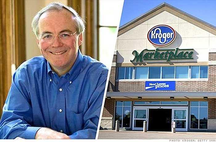 9. Rodney McMullen – Kroger CEO Rodney McMullen của Kroger không được nhiều người biết đến, nhưng các nhà đầu tư của chuỗi siêu thị này chả quan tâm tới điều đó. Bởi McMullen đã giúp Kroger trở thành chuỗi siêu thị lớn như Whole Foods và Trader Joe's. McMullen là COO của Kroger từ 2009-2013 và lên giữ chức CEO vào năm nay. Ông chủ trương phát triển mảng thực phẩm hữu cơ trong những năm qua. Năm 2014, giá cổ phiếu Kroger tăng 60%, là một trong những cổ phiếu tốt nhất trong rổ tính S&P 500.