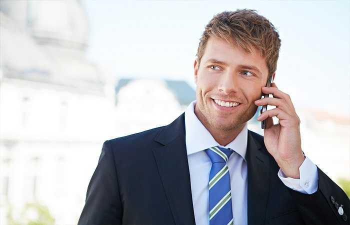 Điện thoại di động: Ngày nay, điện thoại di động đã trở thành một trong những vật bất ly thân của mọi người. Chúng có vai trò quan trọng trong cuộc sống hiện đại. Thế nhưng, bạn cũng phải hết sức thận trọng khi sử dụng vì các nhà khoa học đã lên tiếng cảnh báo về tác hại của sóng điện thoại đối với sức khỏe con người, trong đó có nguy cơ bị vô sinh.