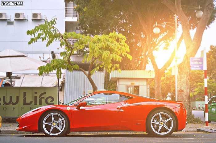 Những chiếc siêu xe đắt tiền trong bộ sự tập xe hơi của Quang Thành.