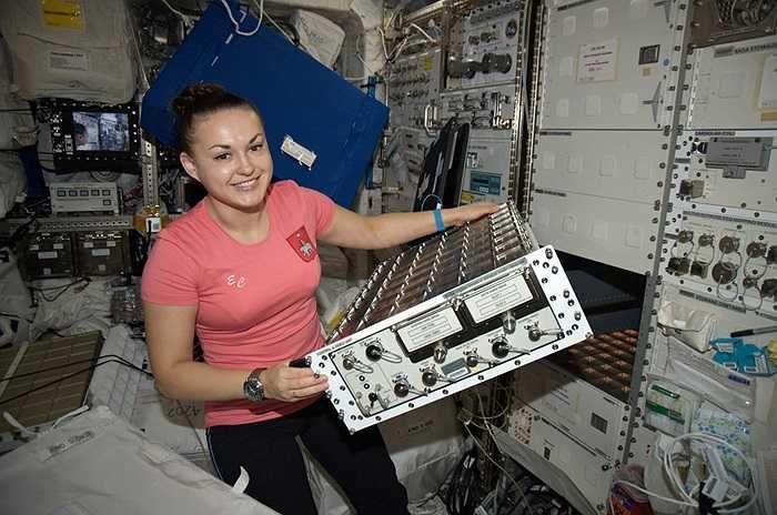 Elena Serova khi ở trên trạm ISS
