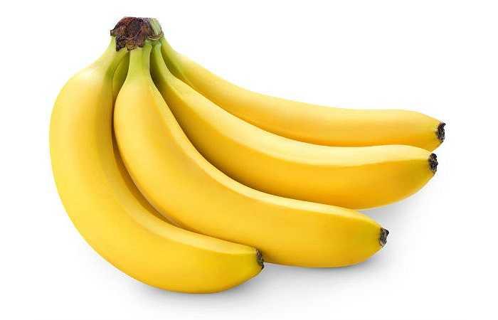 Chuối: Là thực phẩm giàu kali, một quả chuối trung bình chứa 400 mg khoáng chất có lợi cho tim. Chuối cũng là một loại đồ ăn có thể lấp đầy dạ dày trống rỗng khi đói, giúp thúc đẩy sự trao đổi chất trong cơ thể.