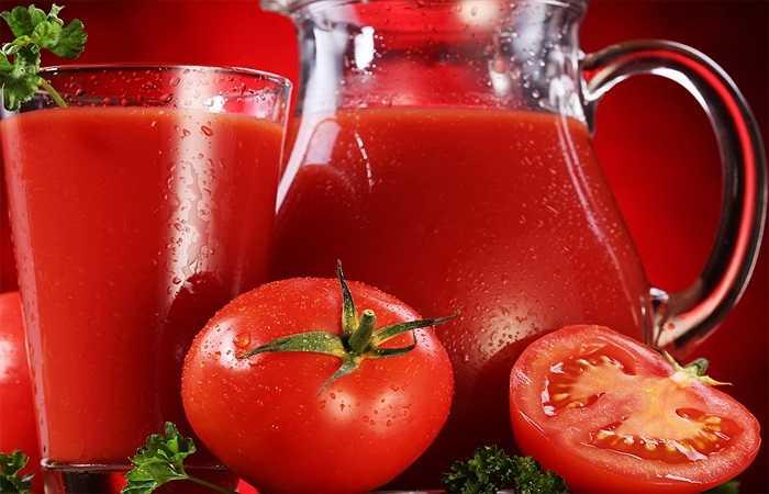 Cà chua: Bột cà chua hay cà chua xay nhuyễn là nguồn cung cấp kali rất lớn. Một phần tư chén bột cà chua cung cấp 664 mg khoáng chất quan trọng này, trong khi một nửa cốc cà chua nghiền lại chỉ chứa 549 mg, nước ép cà chua thì chỉ có hơn 400 mg. Vì vậy, để nhận được nhiều hơn lượng kali cho cơ thể với chế độ ăn uống từ cà chua, hãy sử dụng nước xốt cà chua thay thế cho các cách nấu khác.