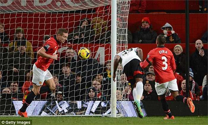 Bất chấp sự có mặt của Mata, phong đô của Man Utd vẫn không được cải thiện. Họ chỉ thắng được đúng 1 trận trong tháng 2, và có nguy cơ bị loại khỏi vòng 1/8 Champions League sau khi thua 0-2 ở lượt đi