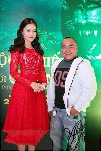 Sở hữu thân hình thấp bé nên Hiếu Hiền luôn bị dìm hàng khi sánh vai cùng các mỹ nữ trong showbiz Việt. Dương Cẩm Lynh chỉ cao khoảng 1,67m nhưng vẫn tạo ra khoảng cách lớn so với nam diễn viên Bỗng dưng muốn khóc.