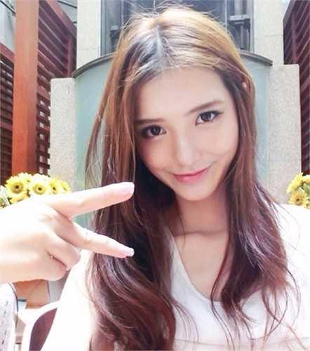 Cô bạn người Đài Loan đang học ngành thiết kế đô thị, đồng thời làm người mẫu ảnh và bán hàng online.